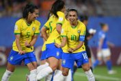 <b>Marta, máxima goleadora del Mundo ubica a Brasil en octavos</b>